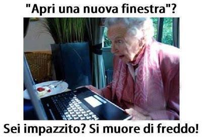 Foto anziana che deve aprire finestra del for Immagini divertenti desktop