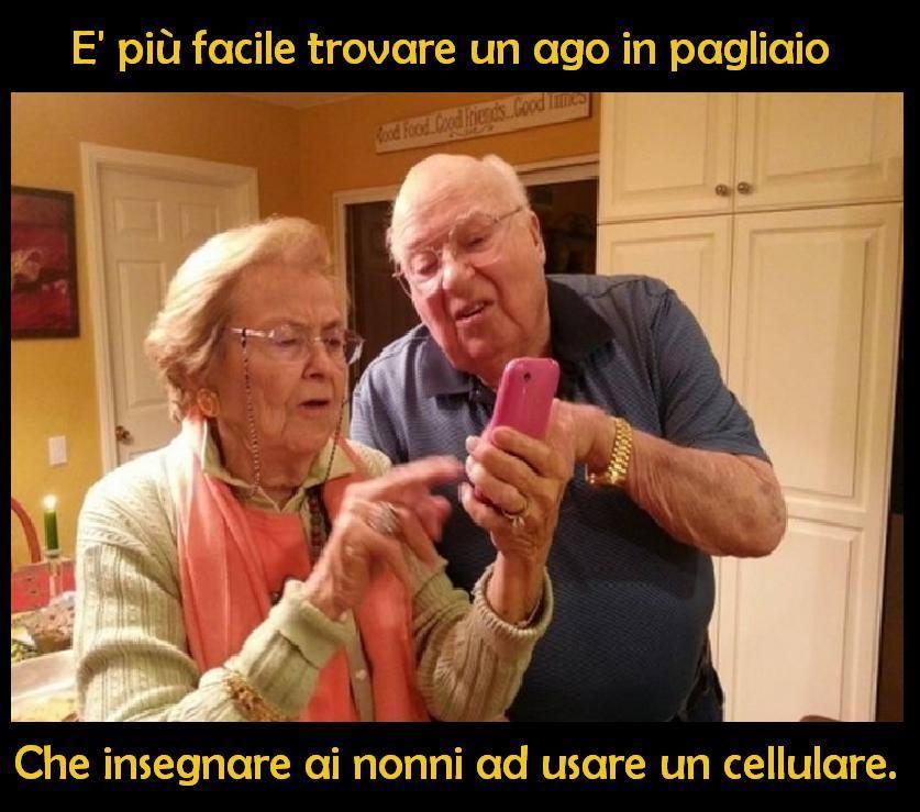 Foto nonni che cercano di usare il for Immagini per cellulari gratis