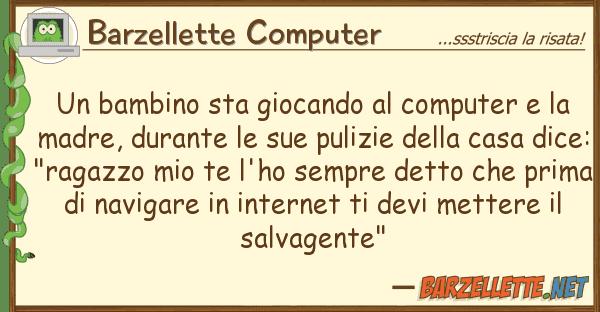 Barzellette Computer bambino sta giocando computer