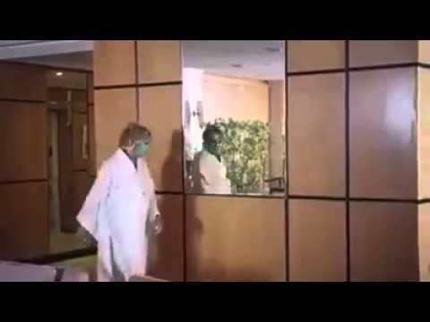 Video donna con maschera di bellezza che si guarda al - Ragazze nude allo specchio ...