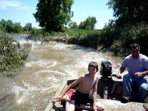 Som che pesca su Kwok Kama