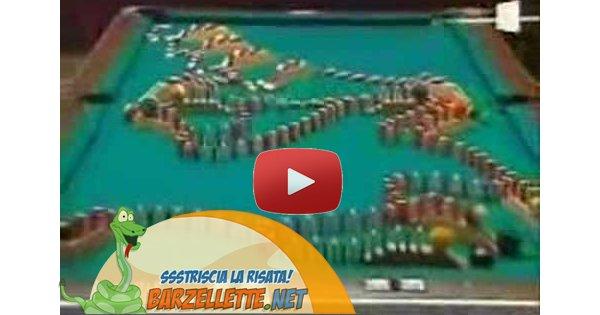 Video effetto domino tra due tavoli da for Costruire un biliardo